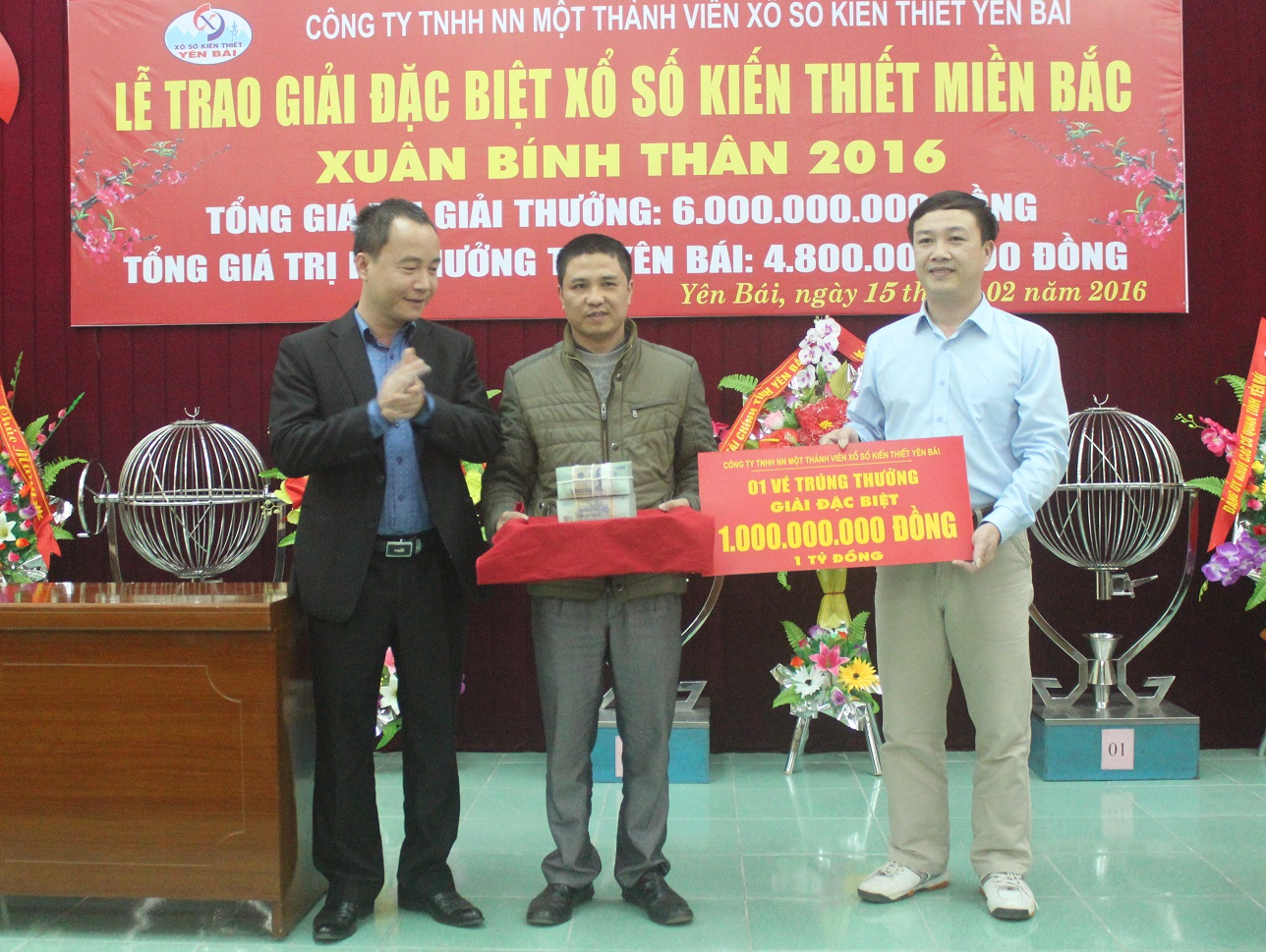 Lễ trao thưởng 1 tỷ đồng XSKT miền Bắc