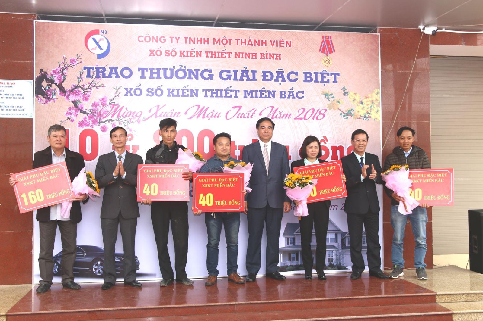 Trao thưởng giải đặc biệt XSKT miền Bắc tại Ninh Bình